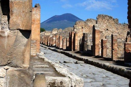 pompeii day tour from rome